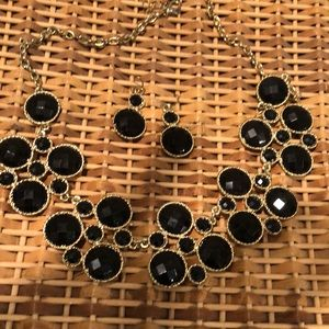 Jewelry - Necklace with matching earrings. New